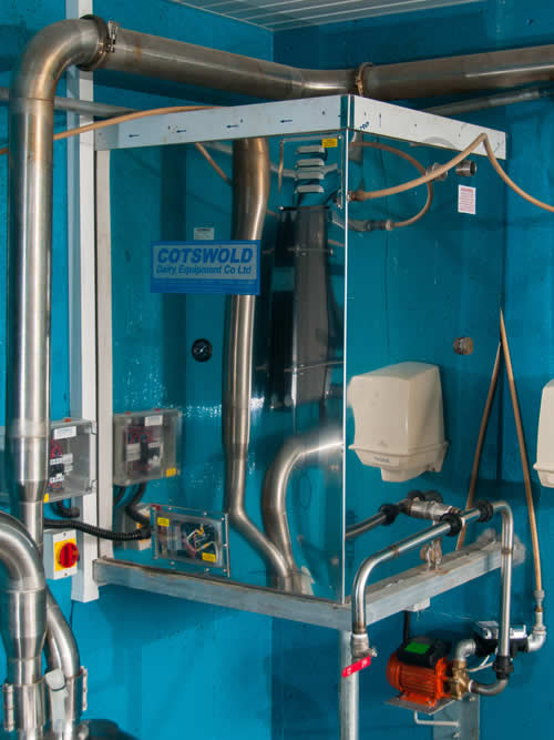 Milking parlour hygiene solutions cotswold dairy equipment for Parlour equipment
